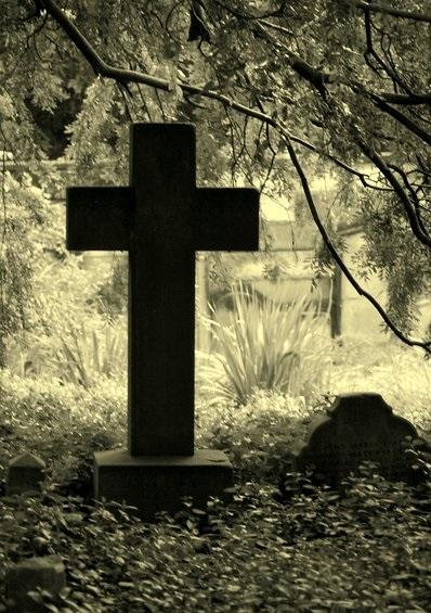 Mơ thấy nhiều mộ ma