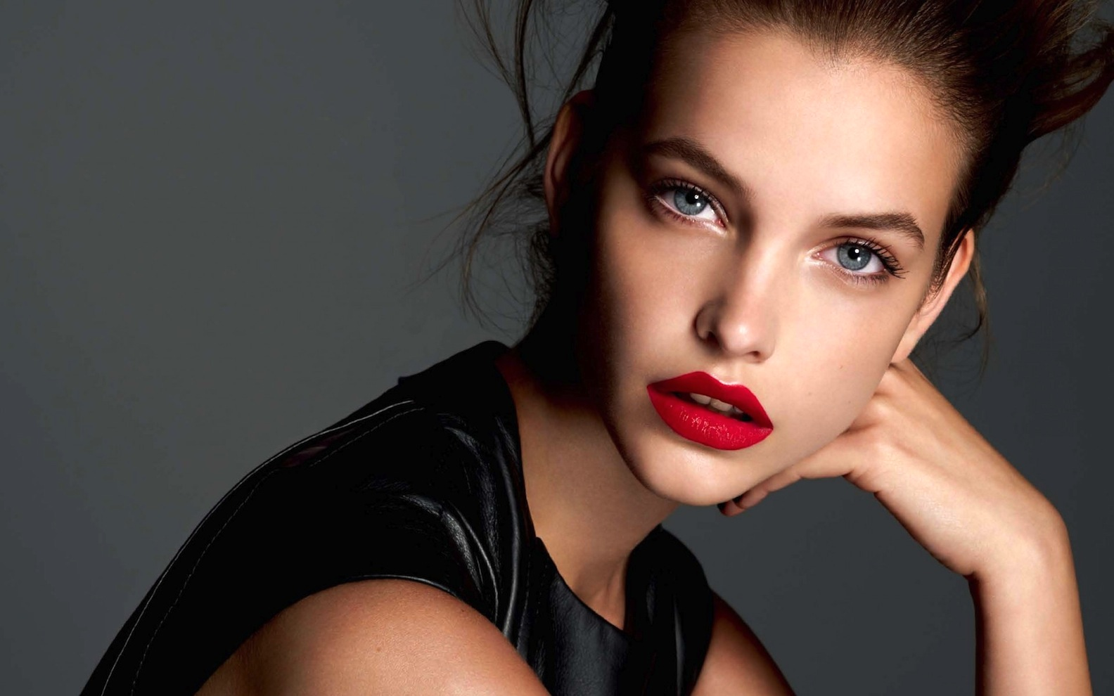 Barbara Palvin Red Lips wallpaper background (1584 x 990 )