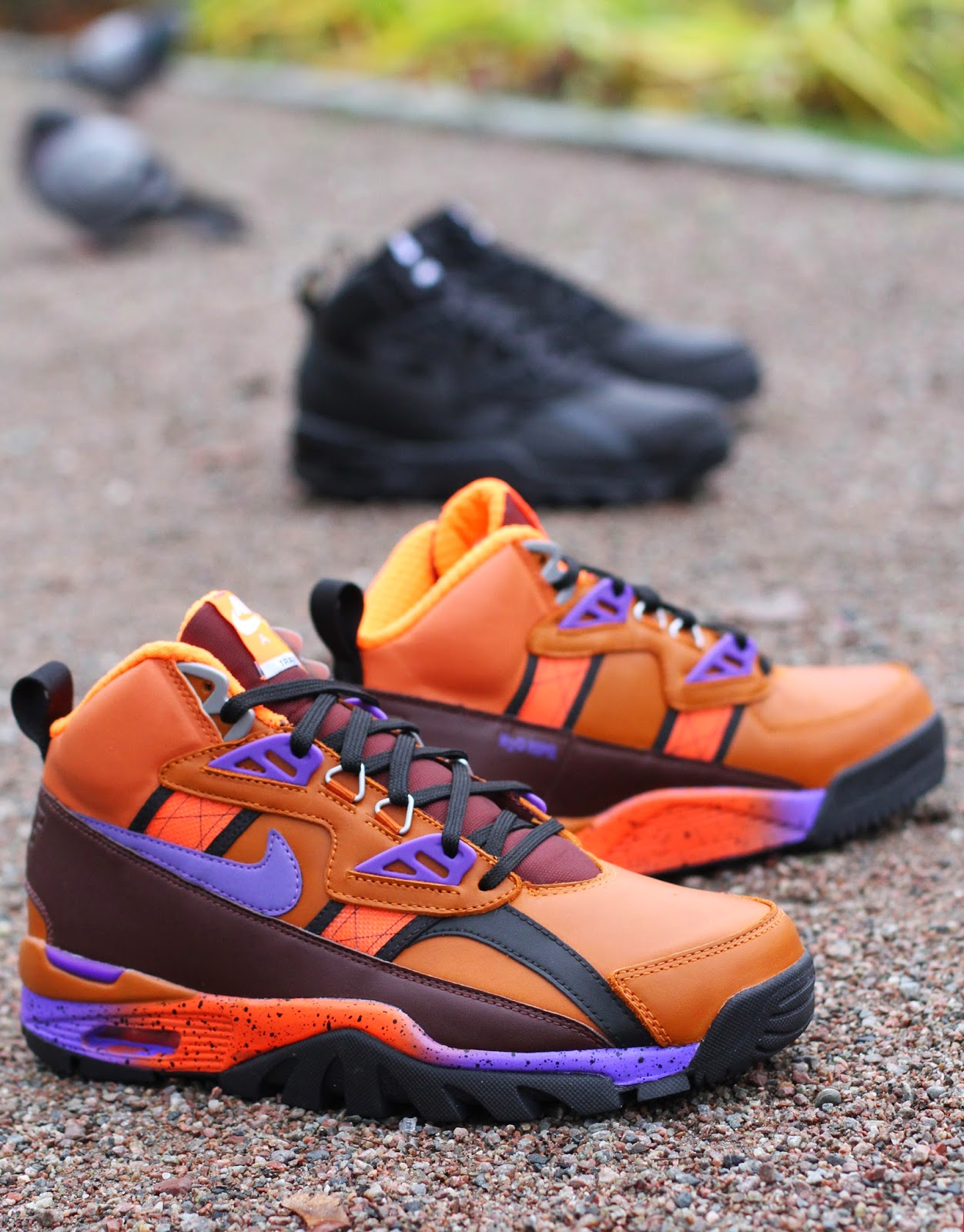 http://www.footish.se/sneakers/nike-air-trainer-sc-sneakerboot-2