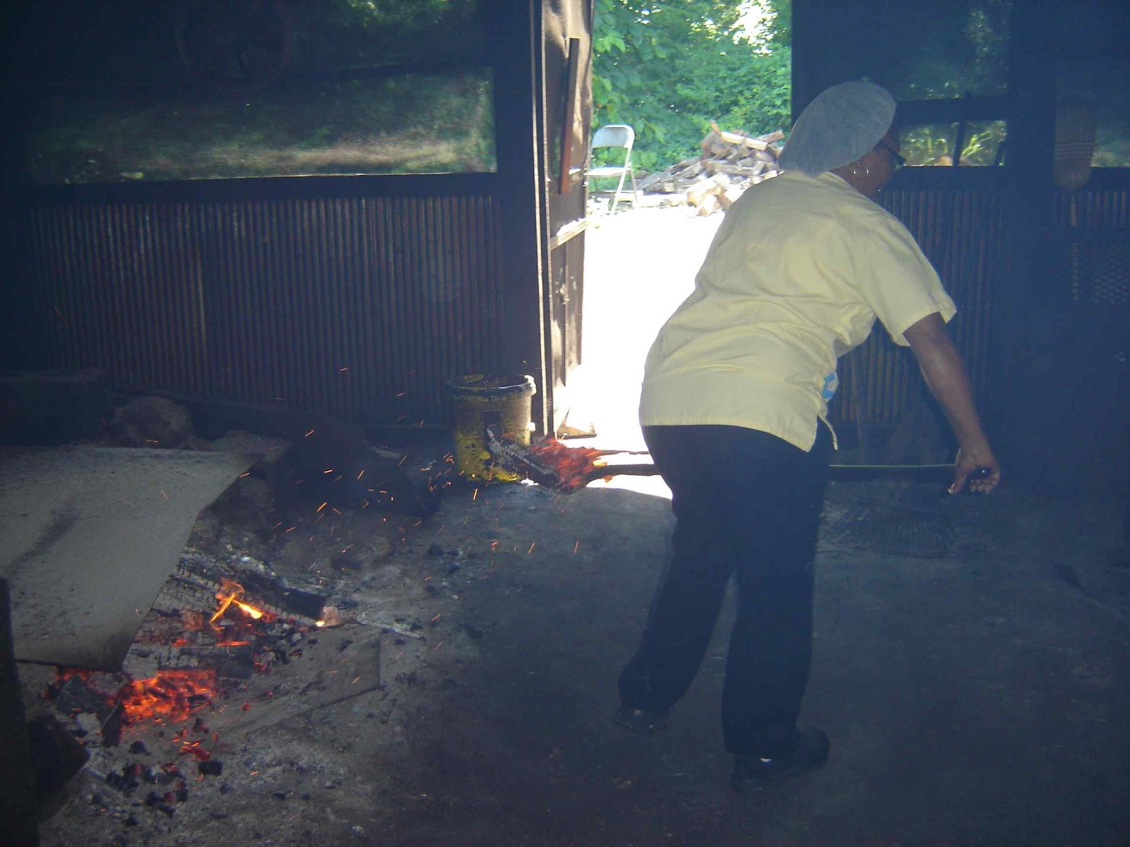 memphis que keeping the old fashioned flame alive helen u0027s