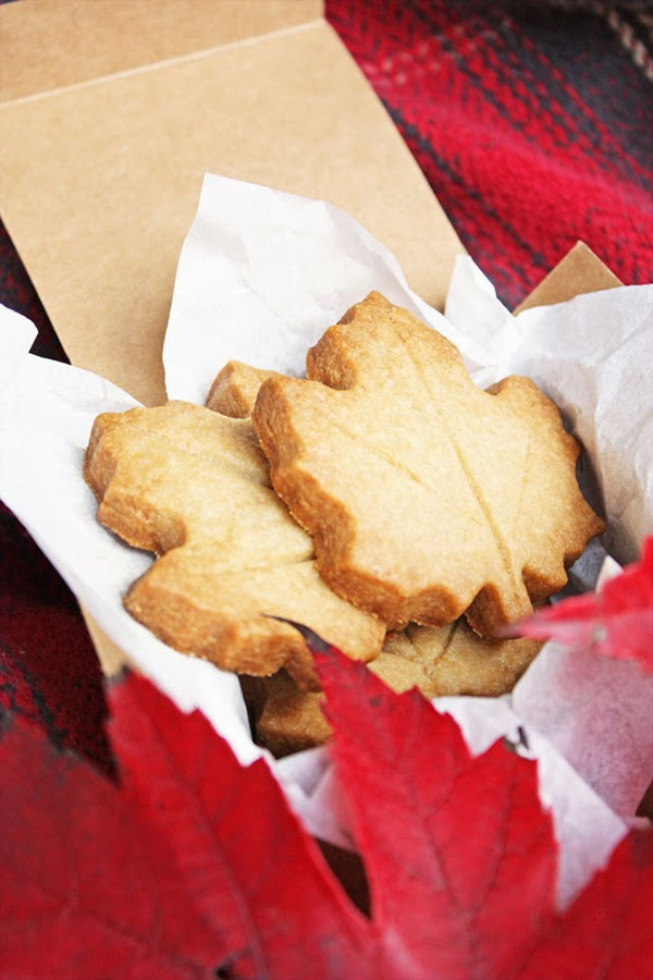 Maple leaf brown sugar cookies for autumn featured @hearthandmadeuk - Hello October! Come on over and discover 25 things to do this October!! Make Crockpot Cider. This image is a fabulous example of all that is lovely about Fall/Autumn. I love that I live in a world where there are seasons! The red apples and cinnamon sticks are perfect scents for the season.