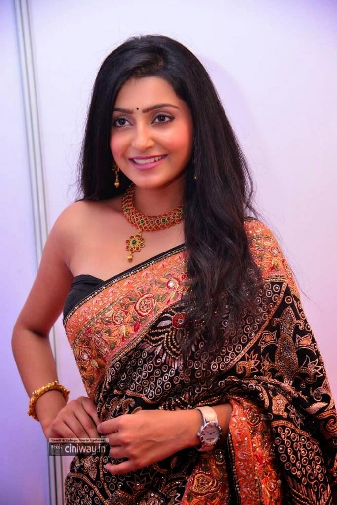Maaya-Actress-Avanthika-Stills-at-Movie-Audio-Launch