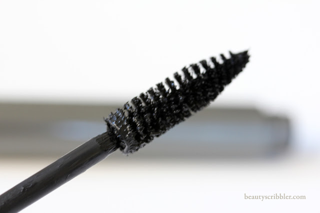 MAC Opulash in Optimum Black wand