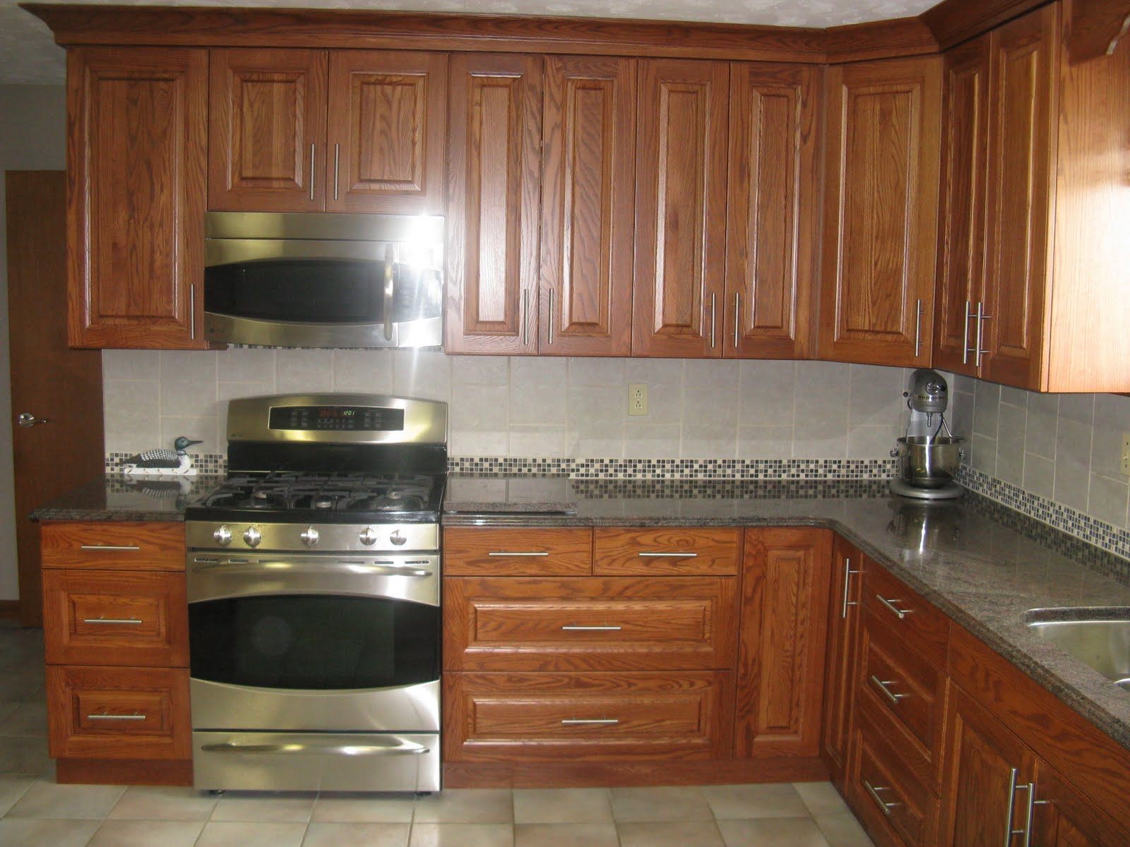 Five star photo gallery oak cabinets for Kitchen with cabinets