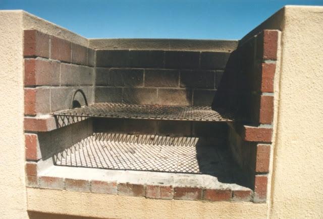 Brick driveway image brick bbq designs for Outdoor bbq grill designs