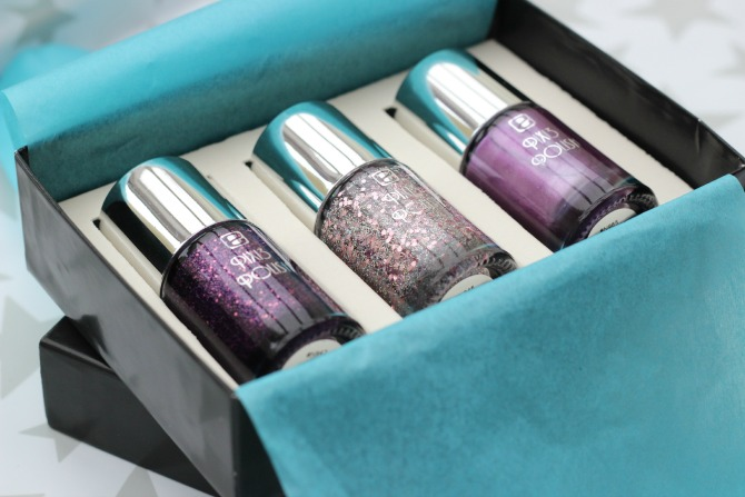 enail gift box with polishes inside