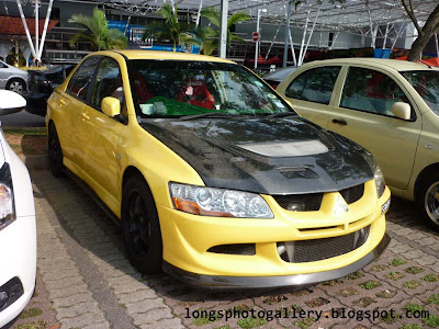 Mitsubishi Lancer Evolution 8 carbon fiber bonnet