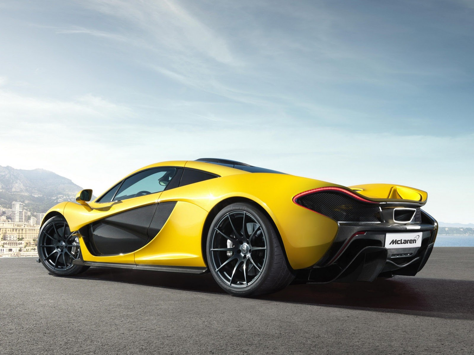 mclaren p1 officially revealed. Black Bedroom Furniture Sets. Home Design Ideas