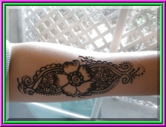 Arm Mehndi Designs Henna blooms have 4 sepals and a 2 millimeter floral cup