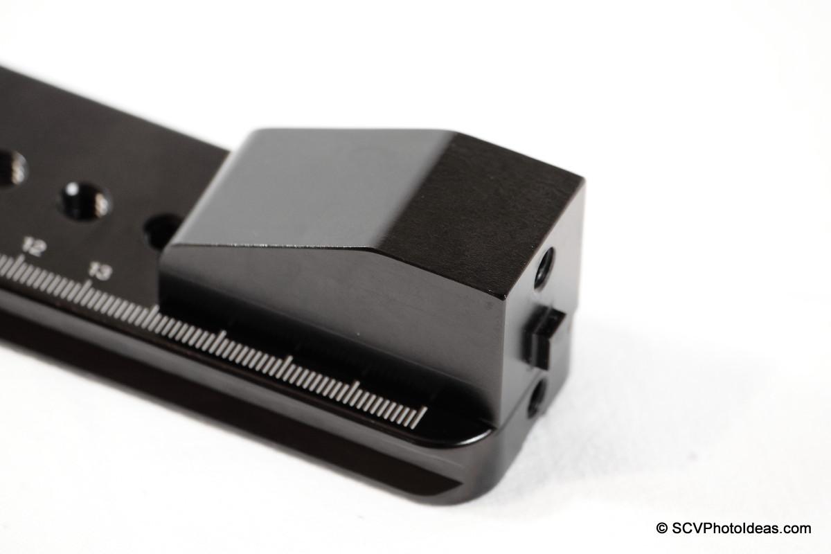 Hejnar Photo G103 block on G10-80 rail - fron holes detail