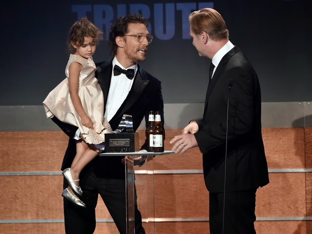 How cute! Matthew McConaughey gets the affection of her daughter in prize