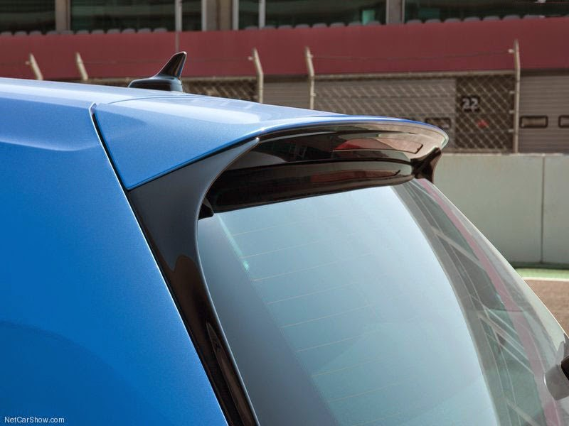 Volkswagen VW Golf R 2014- Detalhe Exterior