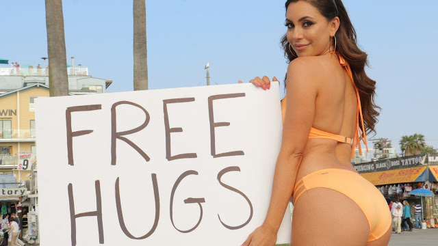 Free Hugs Sexy Girl