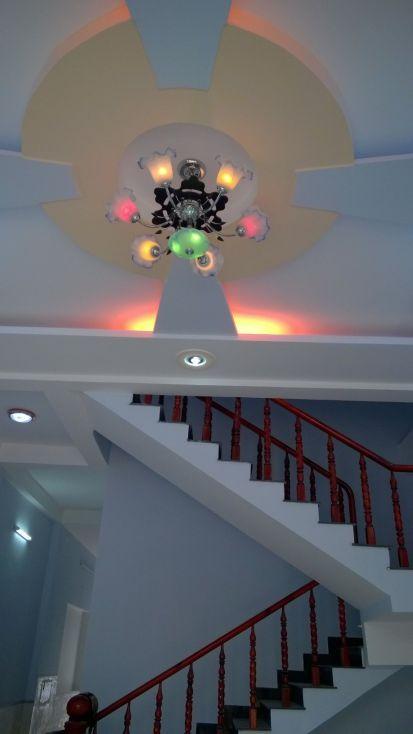 Cầu thang nhà 1 lầu 1 trệt