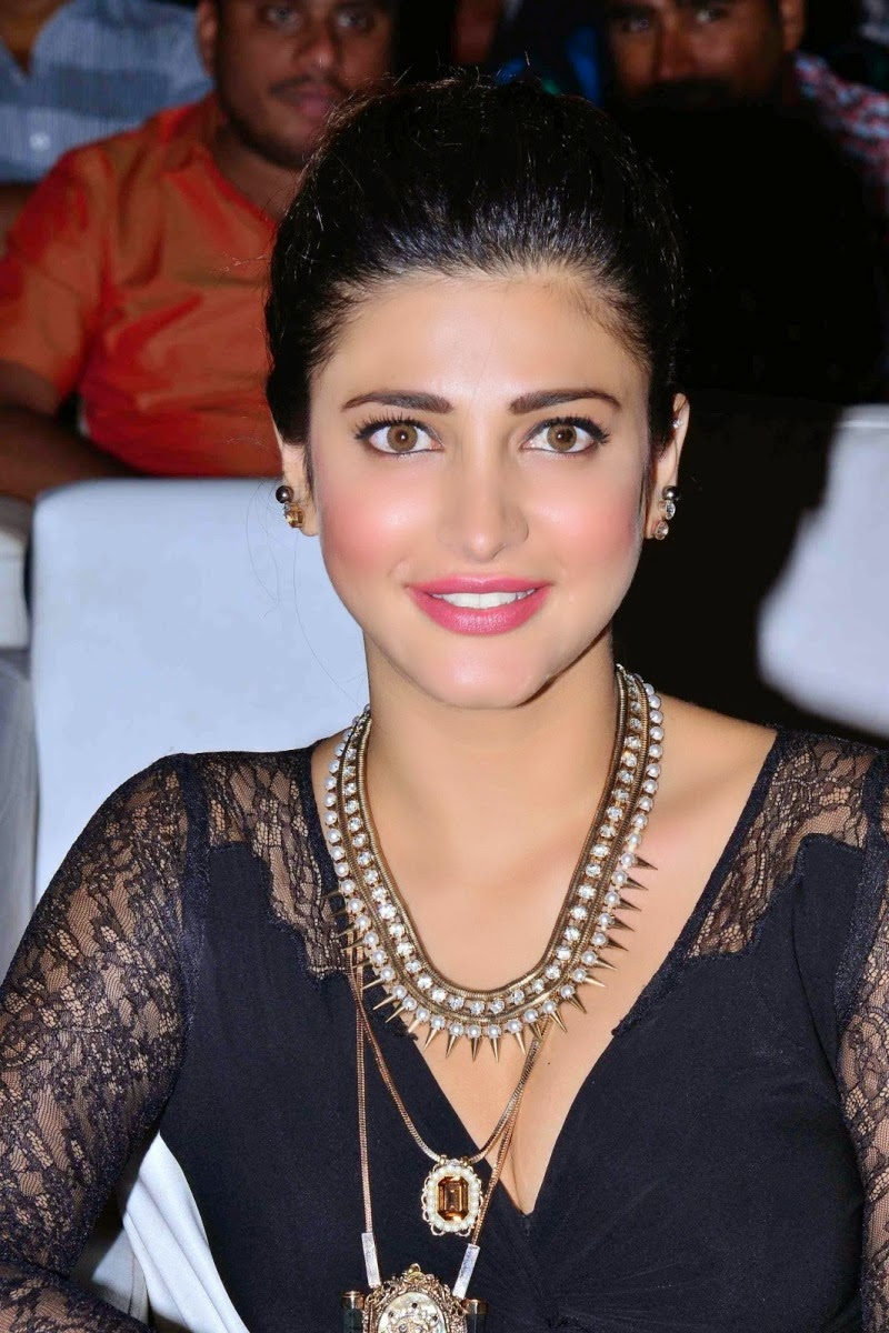 Shruthi Hassan Latest Cute Hot Black Dress Spicy Photos
