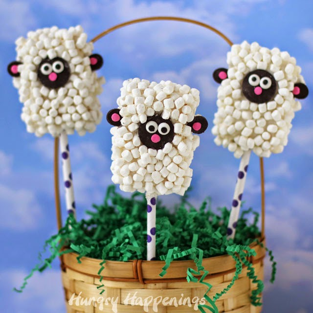 Rice Krispie Treat Lamb Pops | HungryHappenings.com