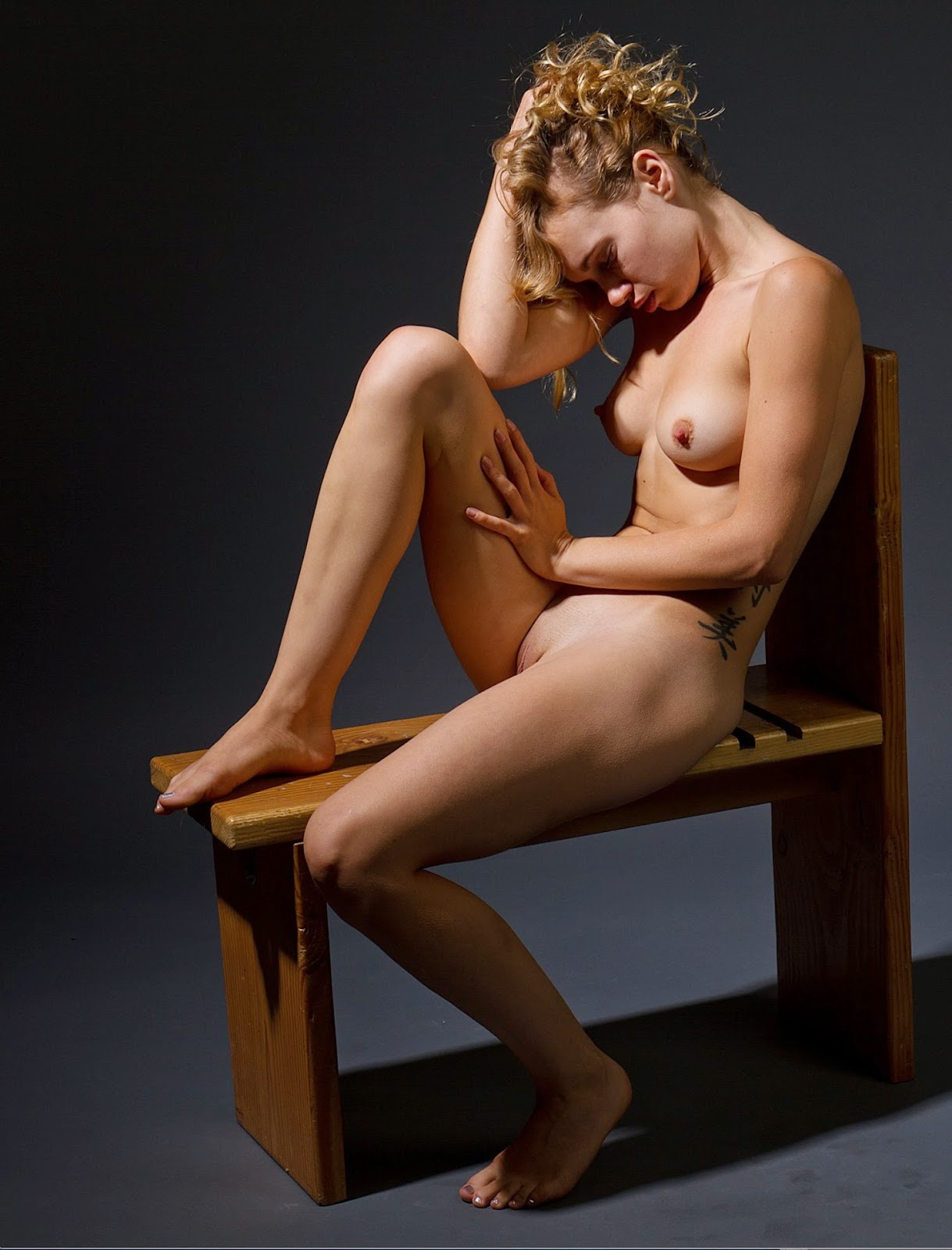 Share Nude figure drawing models