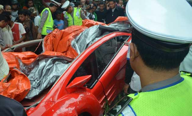 Foto-foto Kecelakaan Tuxuci Dahlan Iskan