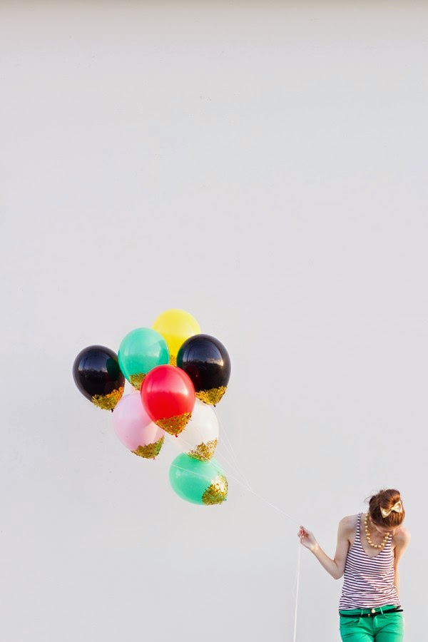 Vert poussin party time for Confetti dipped balloons