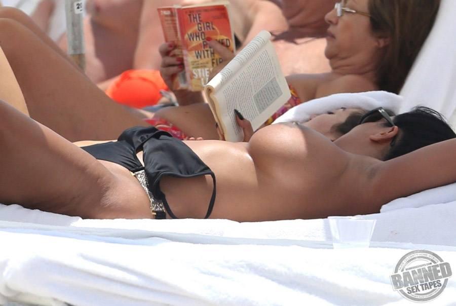 Kristin chenoweth nude spread