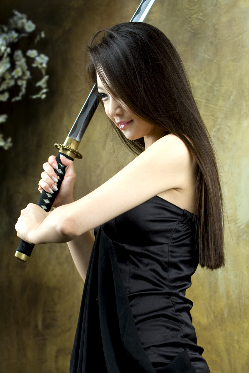 Lee Eun Seo, The Beauty and Katana