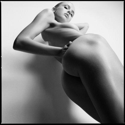carsten witte fotografia mulher modelo nua pelada linguagem corporal sensual