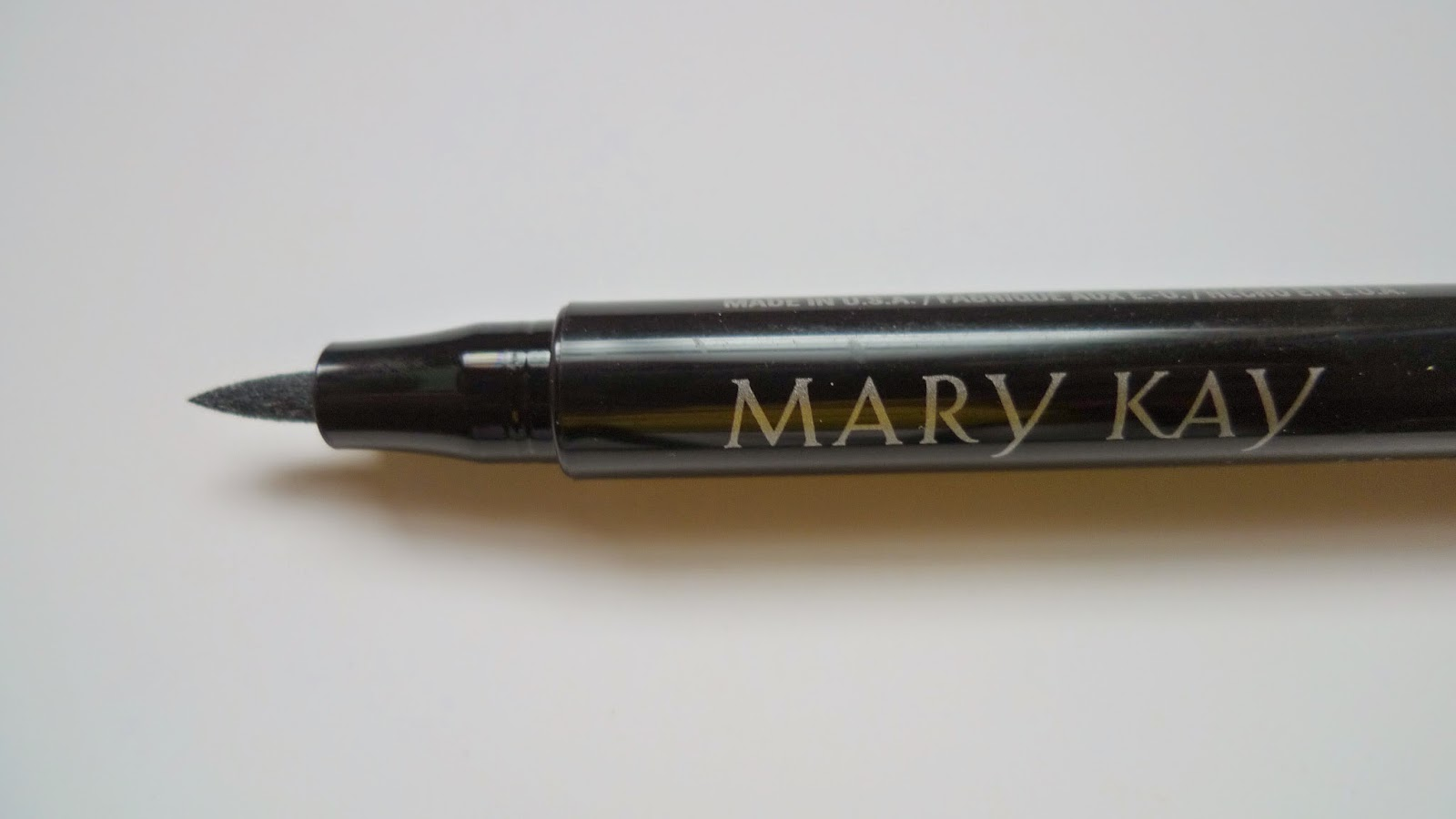 Review and swatch: Mary Kay liquid eyeliner pen in black ...