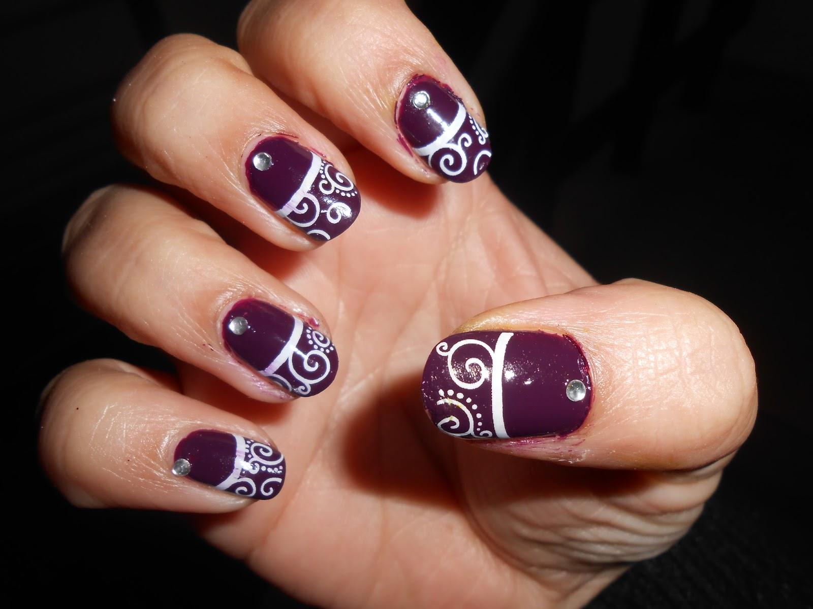 Nails French Design Swirls