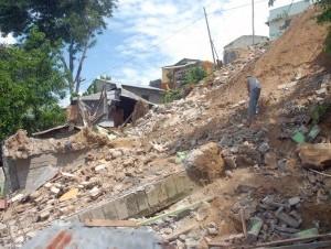 Nuevos daños por derrumbes en Santiago