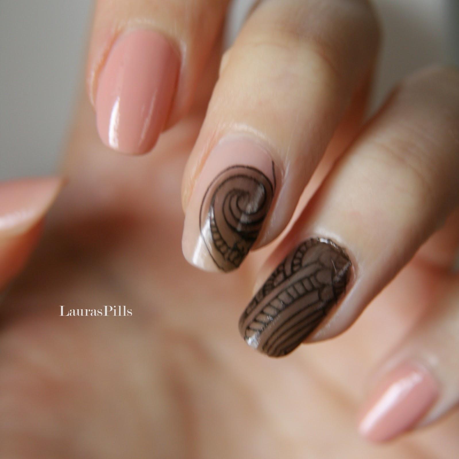 Laura\'s Pills: Sheer lace nail art