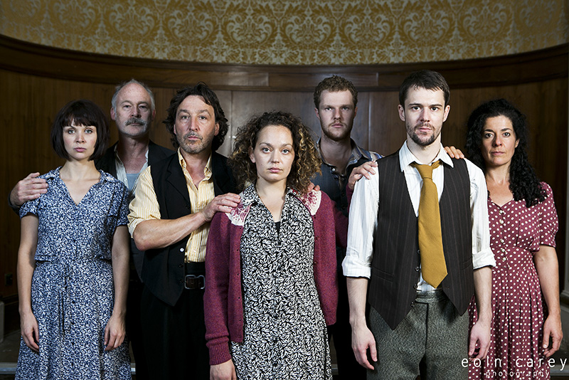 In Time O' Strife Cast - Hannah Donaldson, Ewan Stewart, Tom McGovern, Vicki Manderson, Paul Tinto, Owen Whitelaw, Anita Vettesse - eoin carey photography