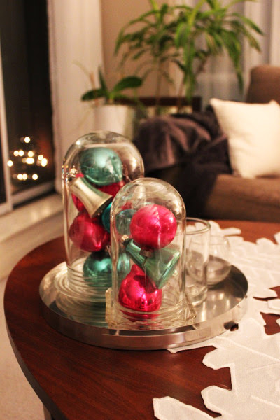 http://safaffect.wordpress.com/2013/12/04/vintage-inspired-christmas-decor/