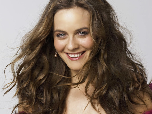 Alicia silverstone Wallpapers Free Download