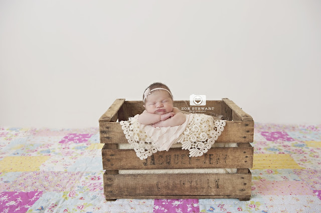 Newborn, photographer, edinburgh, musselburgh, lothians, fife, glasgow, sibling, photoshoot, studio,  wooden, bowl, props, family, mum, details, toes, patchwork, quilt, crate,