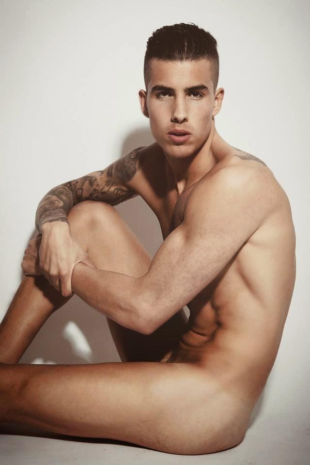 Aaron Benito nude