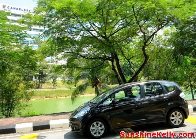 Honda Hybrid Discovery, Honda hybrid, honda jazz hybrid, Honda Hybrid Family Road Trip 2013, honda hybrid cars, car, hybrid, university malaya, lakeside, trees, jogging track, dewan canceleri