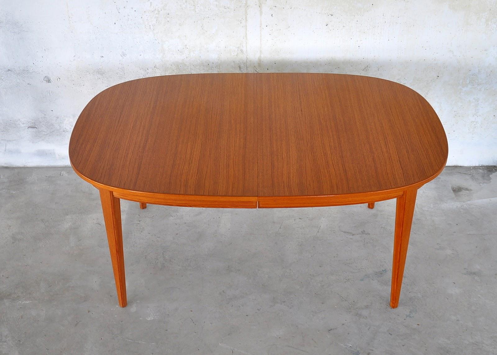 Danish_Modern_Teak_Dining_Table_2.