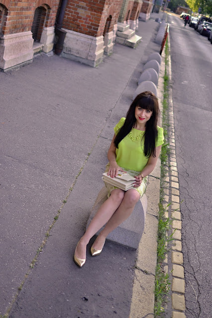 SAGAN TO VIE!_Katharine-fashion is beautiful_Katarína Jakubčová_Žakarová sukňa_Zlaté lodičky_Fashion blogger