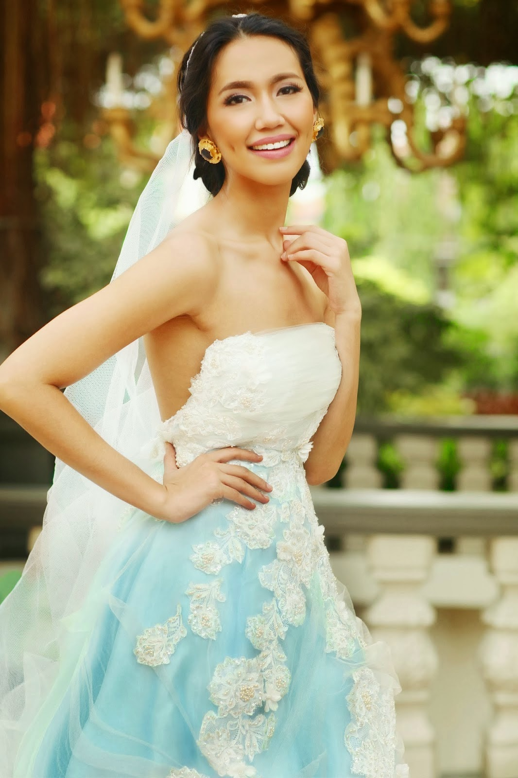 http://hannapechon.blogspot.com/2013/12/blushing-bride.html