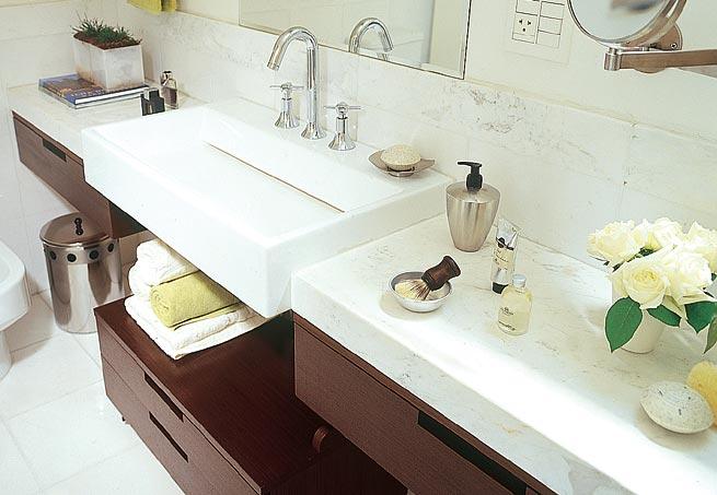 Hora de Arrumar Arrumando Pias de banheiro -> Limpeza De Pia De Banheiro