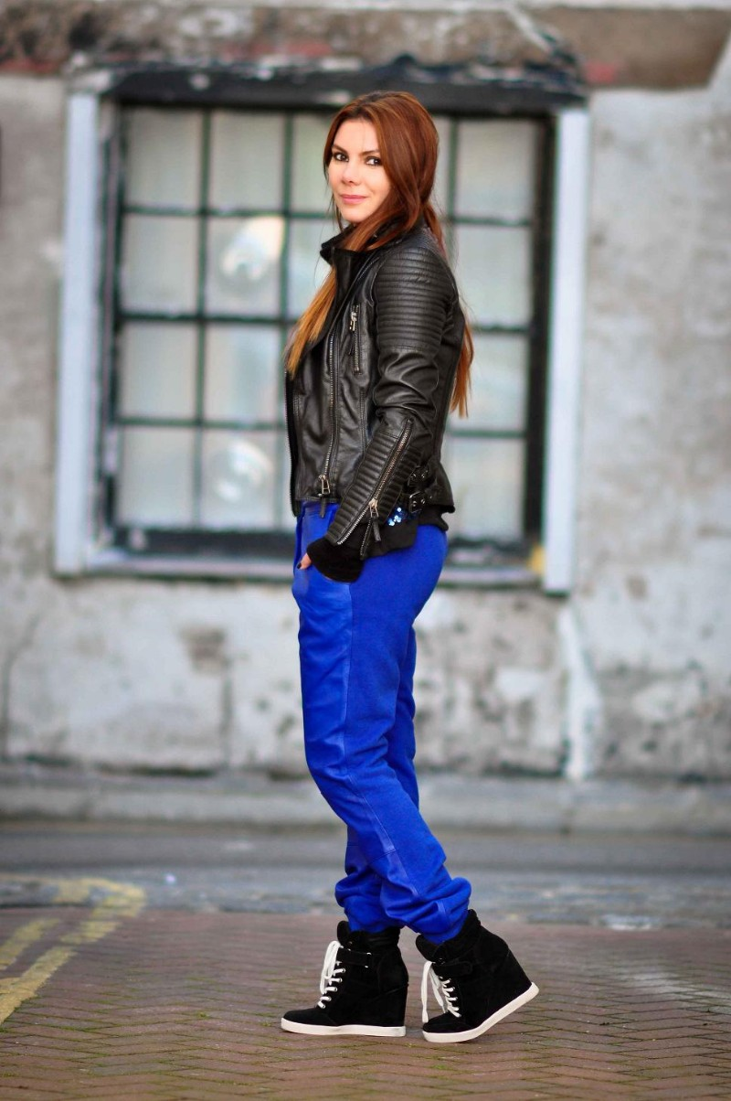 Leather jacket boohoo - Blue Sequins And Fairy Lights Boohoo Jo Sequin Front Bomber Jacket