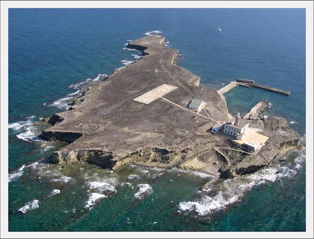Foto isla de Alborán