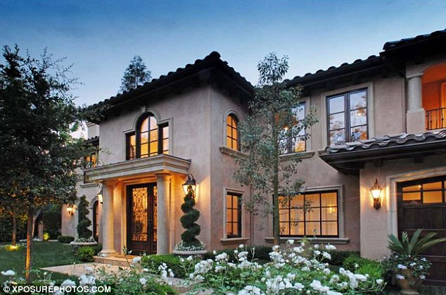 Picture of front facade of Kardashian's home