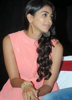 Actress Pooja Hegde Pictures in Short Dress at Oka Laila Kosam Prerelease Press Meet  2.jpg