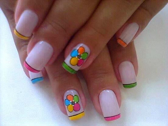 diseños y decoracion  de uñas