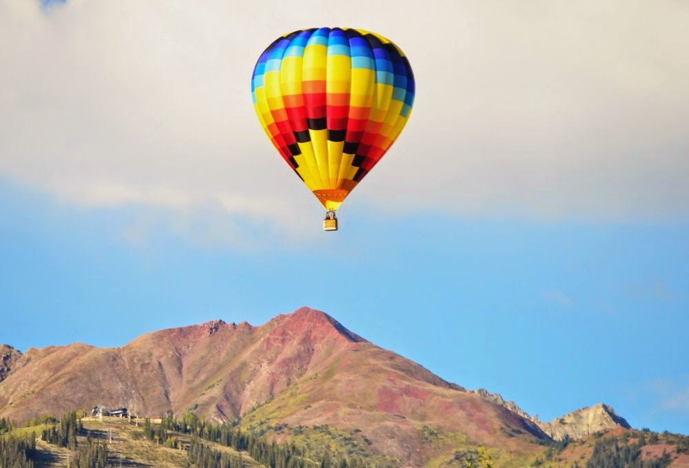 Balloon Over Snowmass