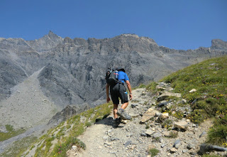 Ascending towards Col de la Cavale along GR5