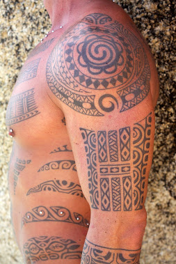 right shoulder polynesian design