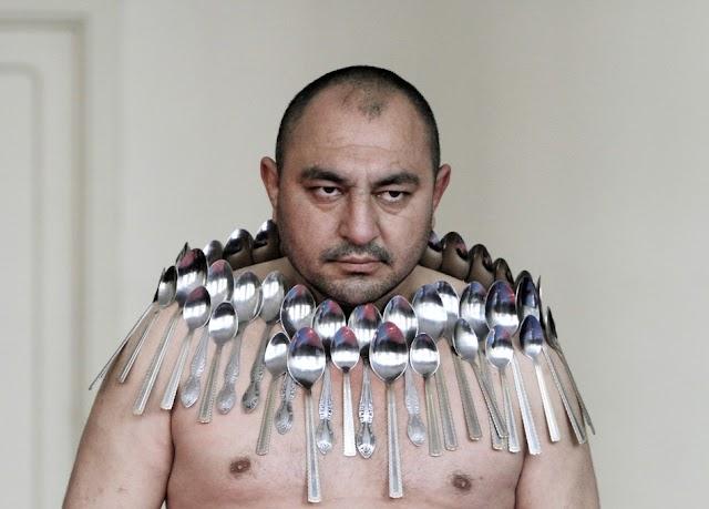 Etibar-Elchev: Ο Άνθρωπος μαγνήτης