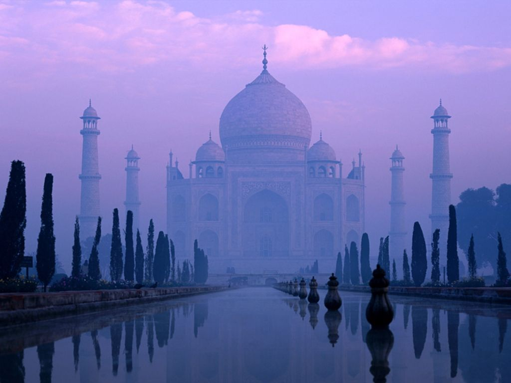 the threat to the beauty of taj mahal Its' stunning architectural beauty is exquisite,  taj mahal means 'crown palace' and is the most well preserved and architecturally beautiful tomb in the world.